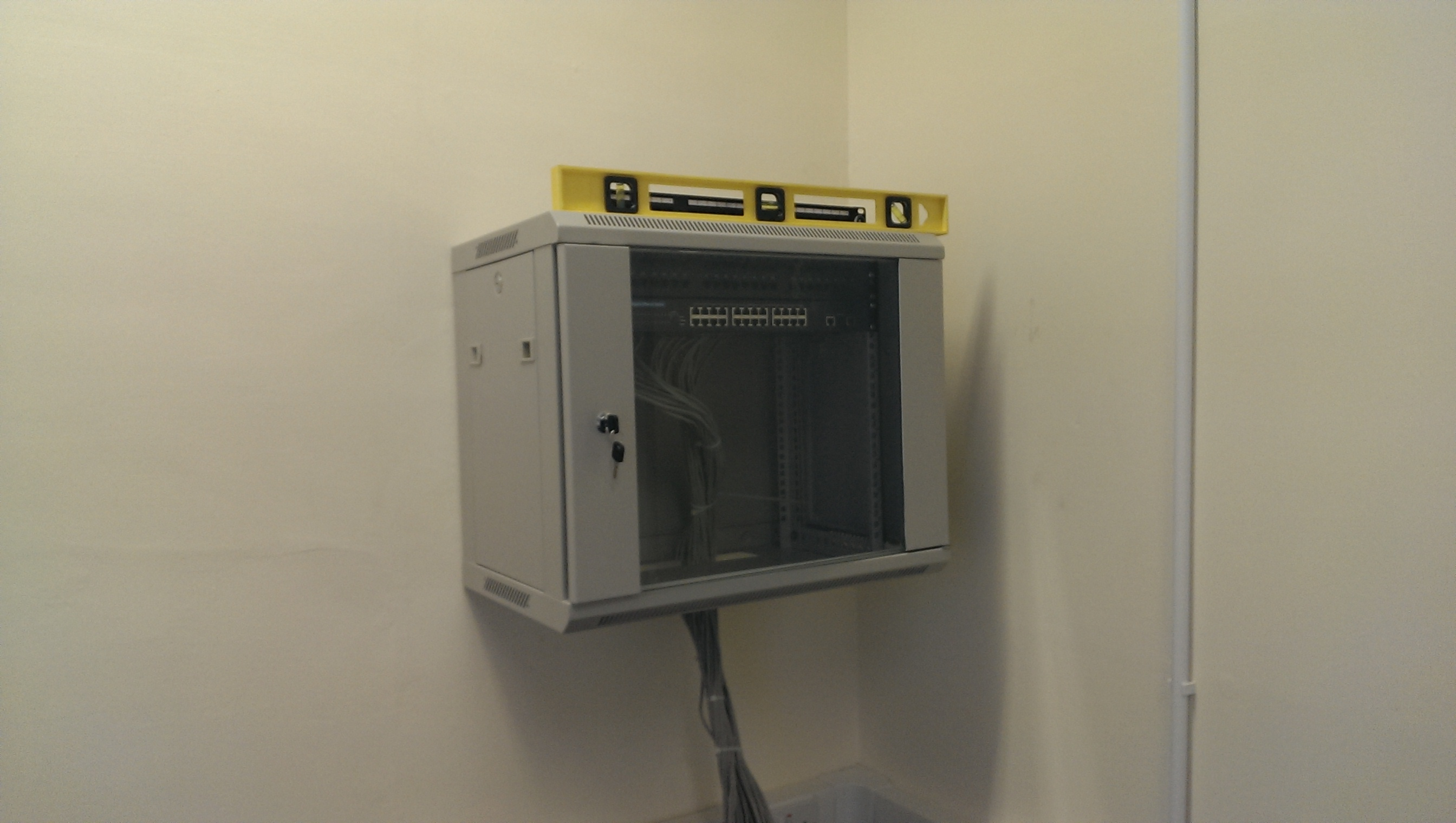The auxillary server/network box